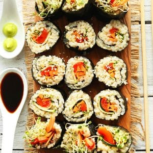 picture of brown rice sushi